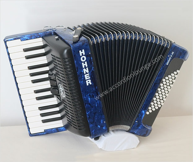Hohner Bravo II 48 Bass Piano Accordion - Accordion Lounge