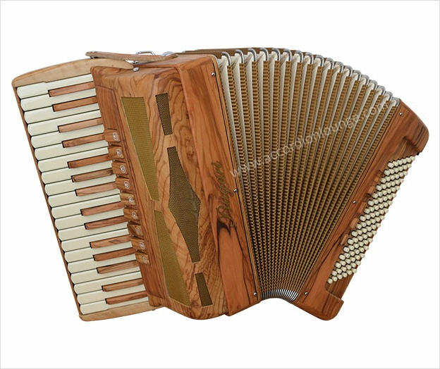 Bugari Armando Xoana 148 - The Accordion Lounge