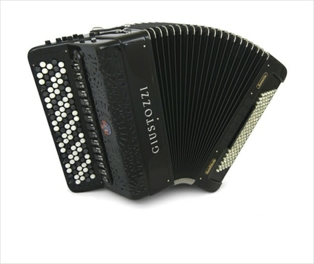 Giustozzi Mod 1200/PC Bayan - The Accordion Lounge